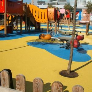 Instalación de suelo continuo PlayTop