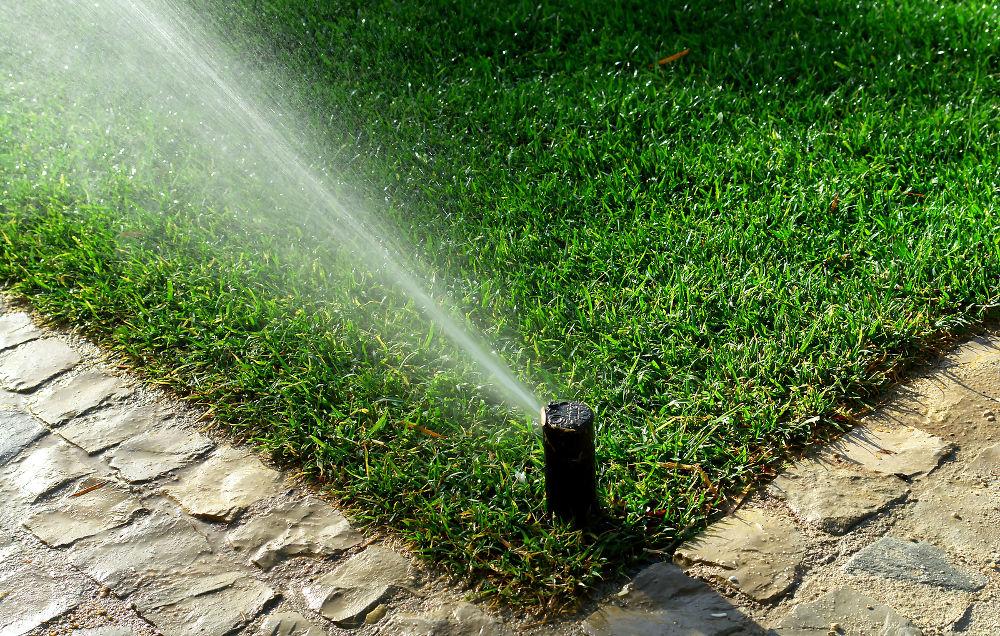 sistemas de riego instalación mantenimiento jardín marzo